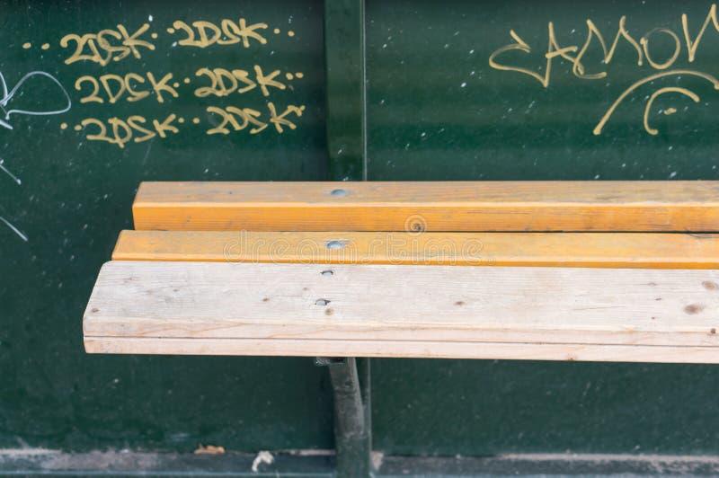 Banco di legno fotografie stock libere da diritti
