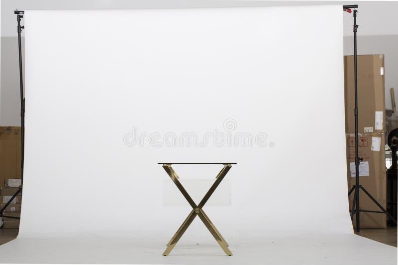 Banco di lusso del bagno del banco del bagno - Tabella di estremità di ImageGold, Bernhardt End Table, tavolino da salotto – Luxe fotografia stock