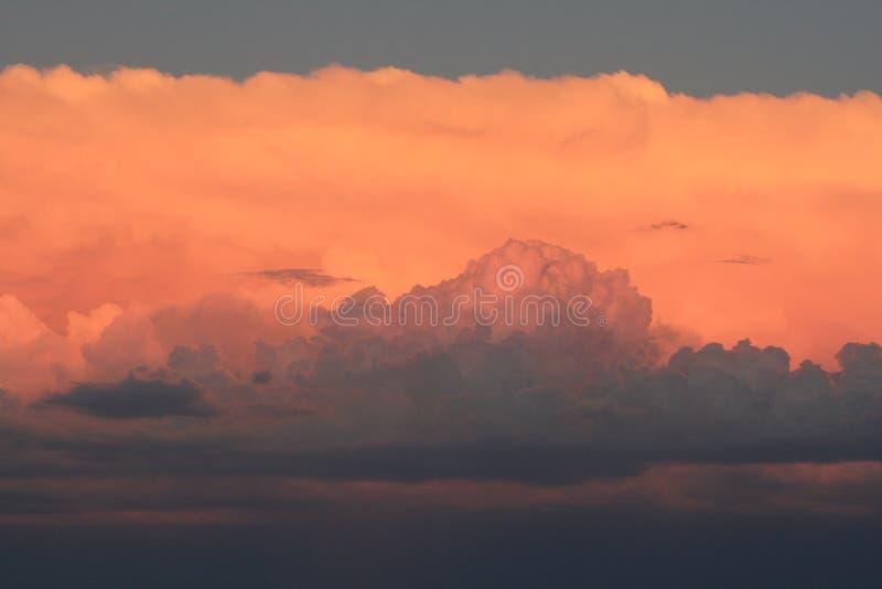 Banco di nuvole variopinto immagini stock