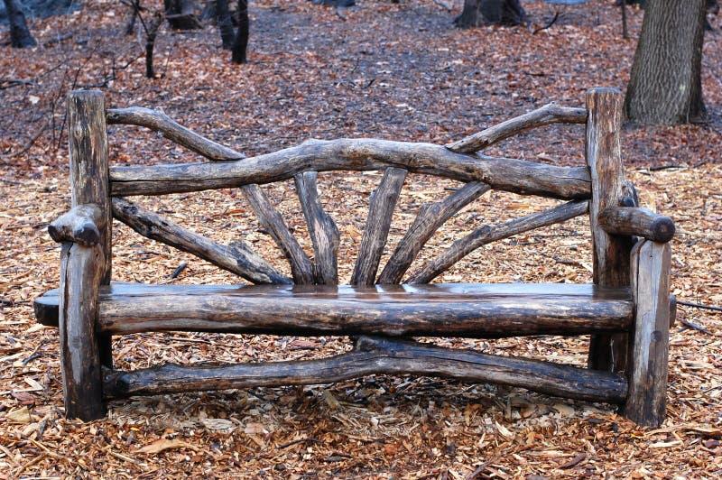Banco rustico in Central Park New York City immagini stock libere da diritti