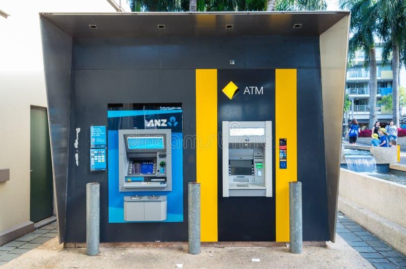 Banco y Commonwealth Bank ATMs de ANZ en Brisbane, Australia fotos de archivo