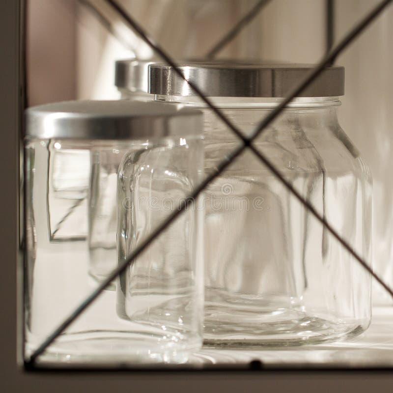 Bancos à moda de vidro imagens de stock