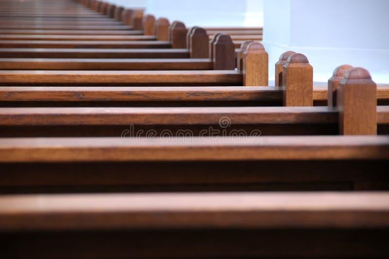 Bancos de iglesia fotos de archivo