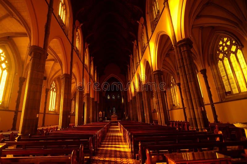Bancos en la catedral de St Patrick imagen de archivo libre de regalías