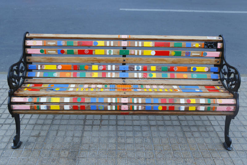 Bancos pintados de Santiago en Las Condes, Santiago de Chile imágenes de archivo libres de regalías