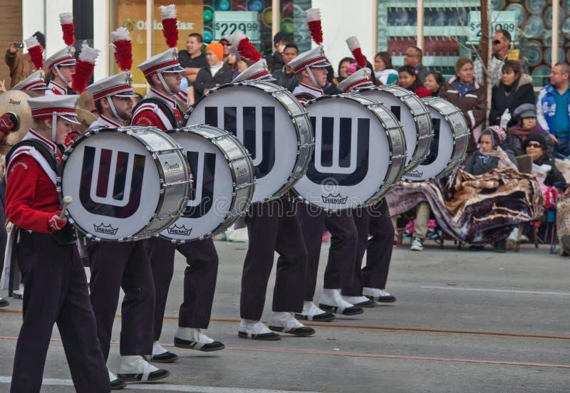 Band In Der Rose Bowl-Parade Redaktionelles Bild