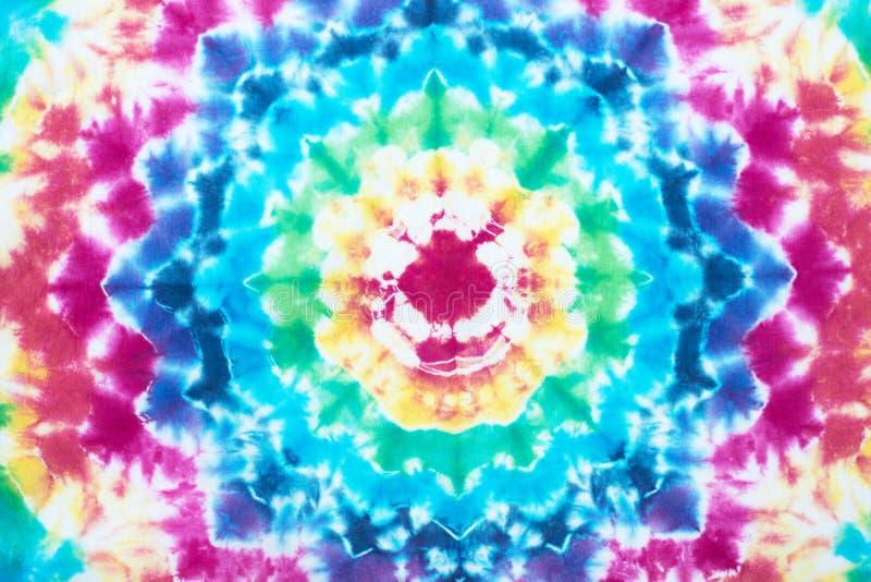 Band geverft patroon op van de katoenen abstracte achtergrond stoffen de onderdompeling geverfte techniek stock foto's