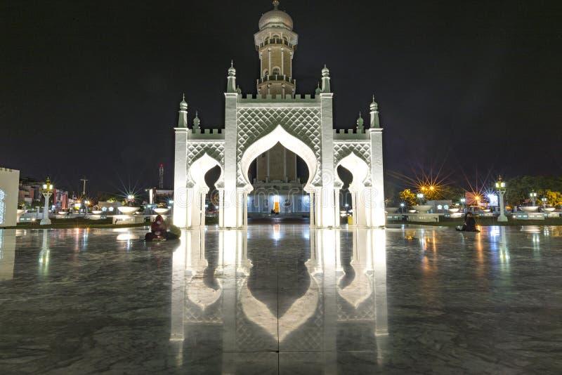 Banda Aceh, Indonesien - 07 11 2017: Baiturrahman Grand Moschee in Banda Aceh lizenzfreie stockfotografie
