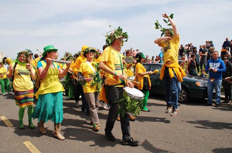 Banda de la samba de Sambalanco, Hastings imagenes de archivo