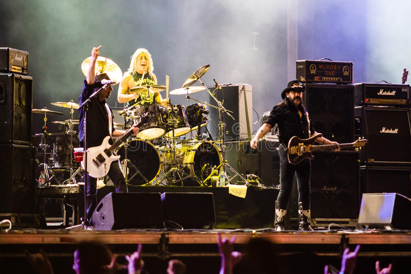 Banda de Motorhead que juega en el festival 2013 de Ursynalia imagen de archivo