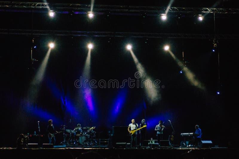 Banda de Sting en concierto imagen de archivo libre de regalías