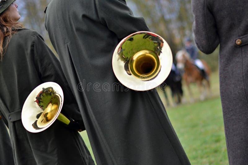 Banda del corno del ` s di caccia fotografie stock