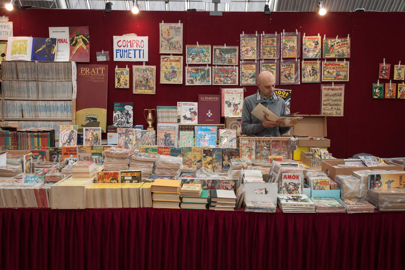 Banda desenhada na exposição na convenção de Festival del Fumetto em Milão, Itália imagem de stock royalty free