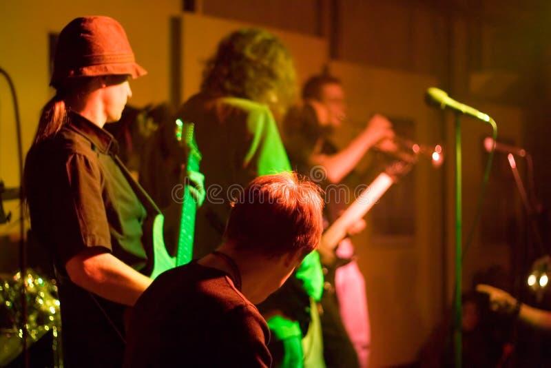 Banda rock sulla fase fotografia stock libera da diritti