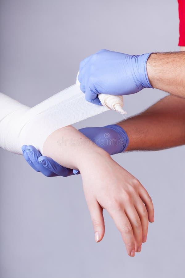 Bandage de l'avant-bras photo libre de droits