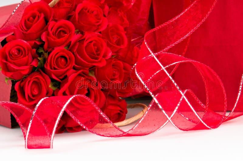 Bande avec des roses photographie stock