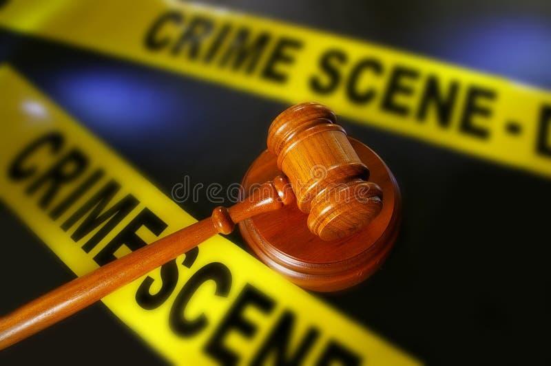 Bande et marteau de scène du crime photo libre de droits