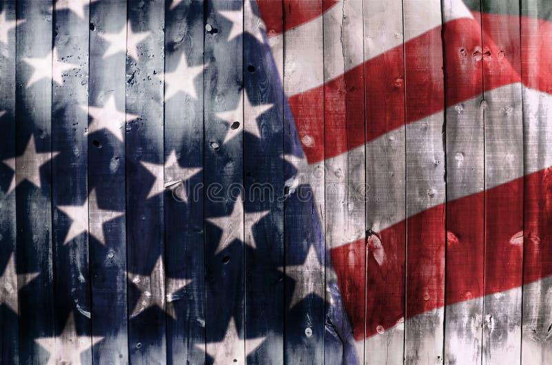 Bandeira americana na madeira imagens de stock