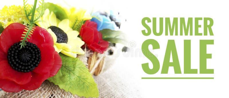 Bandeira brilhante da venda do verão com ramalhete das flores imagens de stock royalty free