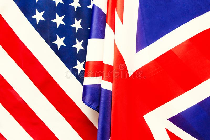Bandeira BRITÂNICA e bandeira dos EUA Relações entre países imagens de stock