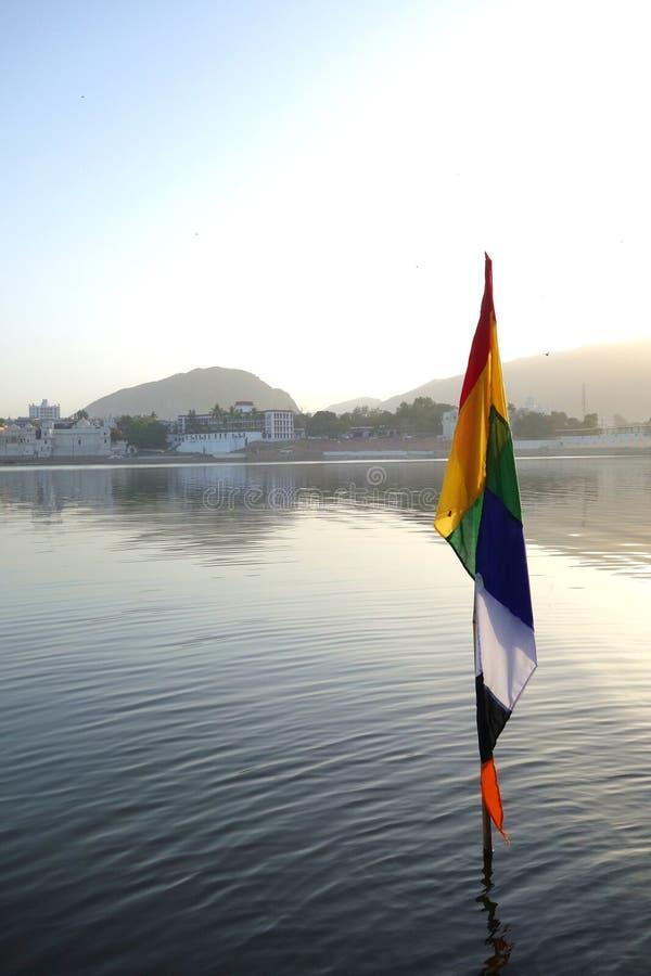Bandeira colorida no lago fotografia de stock royalty free