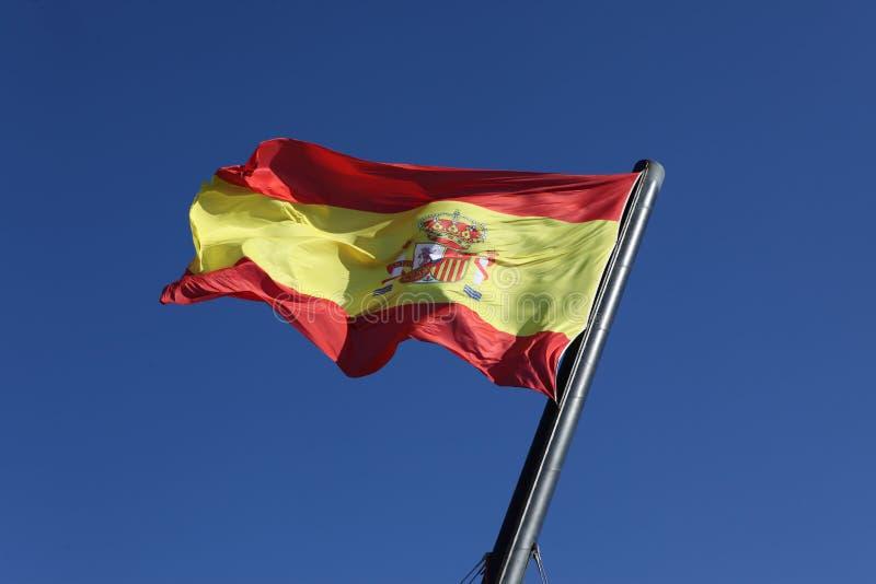 Bandeira da Espanha, movendo-se no vento imagens de stock royalty free