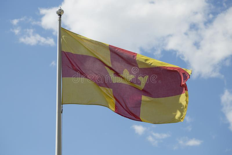 A bandeira da igreja sueco imagens de stock royalty free