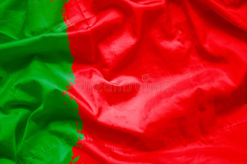 Bandeira da república portuguesa de Portugal pela escova de pintura da aquarela na tela da lona, estilo do grunge fotografia de stock royalty free