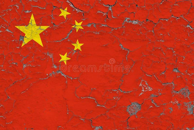 A bandeira de China pintou em parede suja rachada Teste padr?o nacional na superf?cie do estilo do vintage imagens de stock