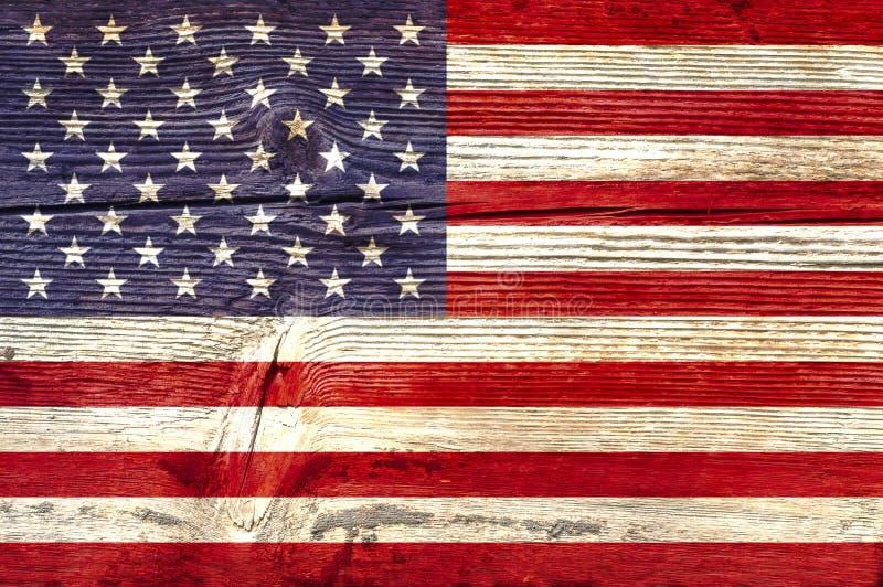 Bandeira de Estados Unidos em um fundo de madeira fotografia de stock royalty free