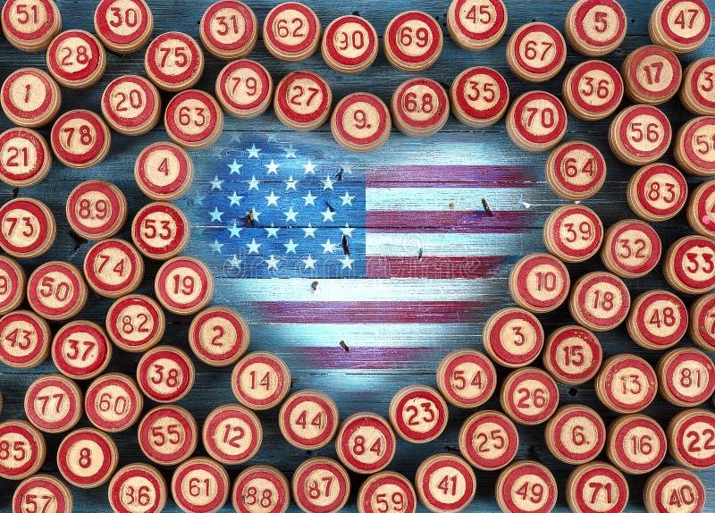Bandeira de Estados Unidos em um fundo de madeira imagens de stock royalty free
