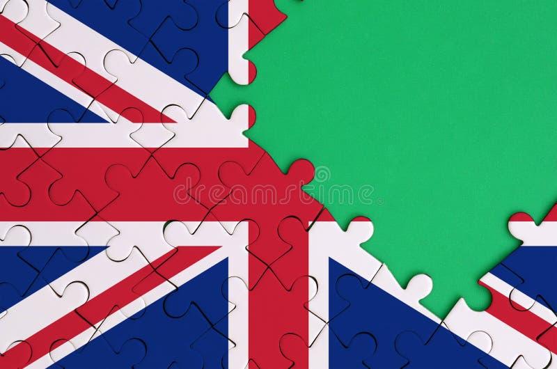 A bandeira de Grâ Bretanha é descrita em um enigma de serra de vaivém terminado com espaço verde livre da cópia no lado direito ilustração do vetor
