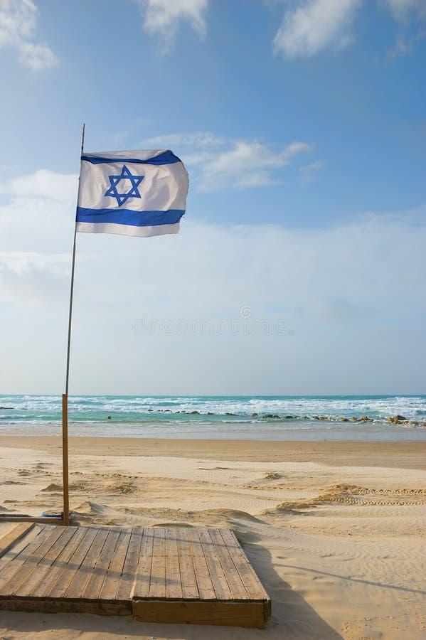 Bandeira de Israel na praia fotos de stock royalty free