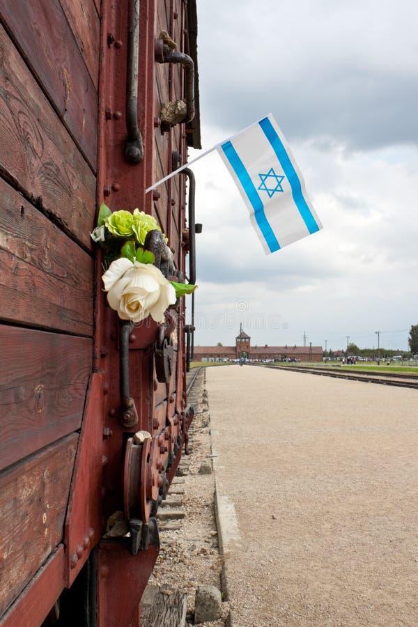 Bandeira de Israel no vagão do trem, Auschwitz imagens de stock royalty free