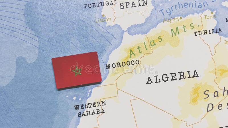 A bandeira de Marrocos no Mapa Mundial foto de stock