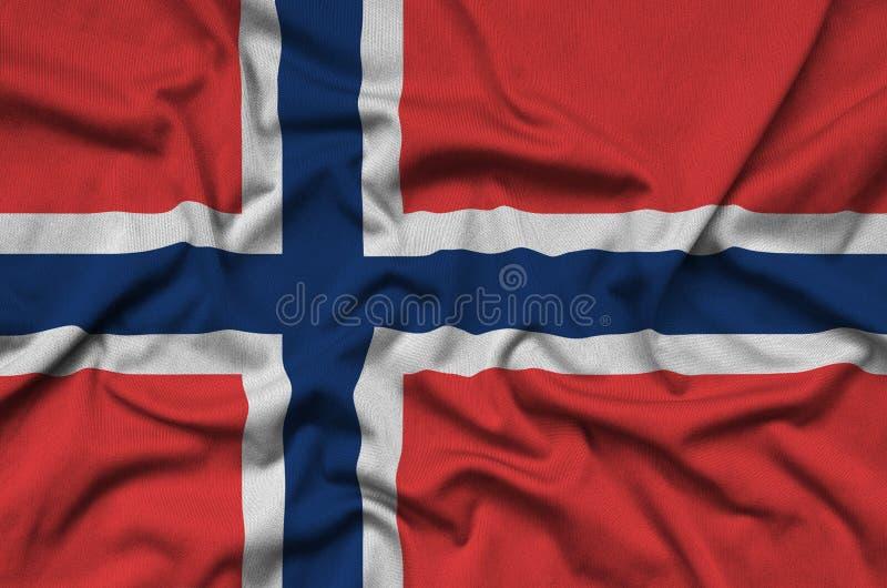 A bandeira de Noruega é descrita em uma tela de pano dos esportes com muitas dobras Bandeira da equipe de esporte imagens de stock royalty free