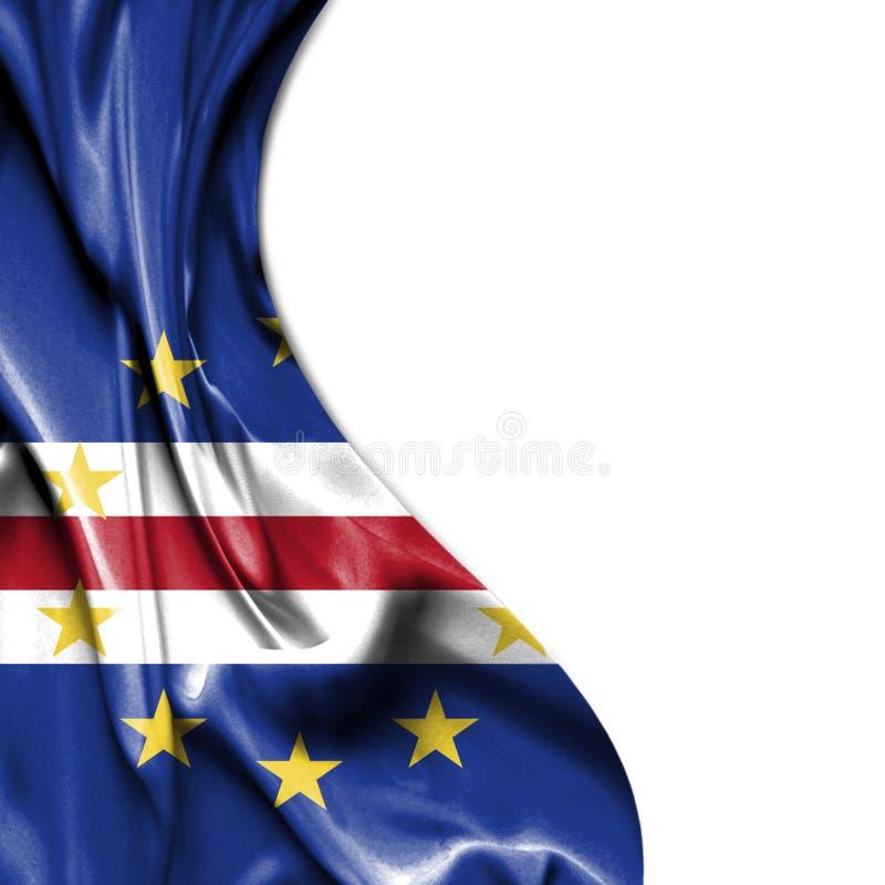 Bandeira de ondulação do cetim de Cabo Verde isolada no fundo branco ilustração stock