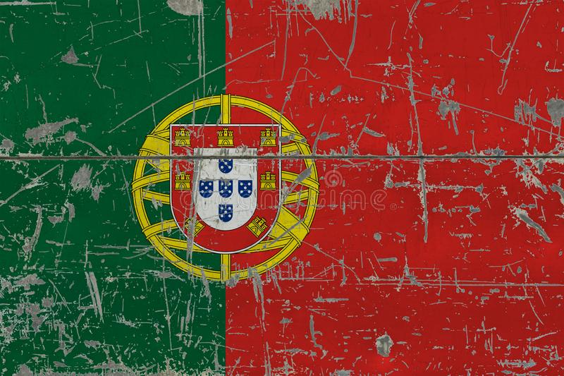Bandeira de Portugal do Grunge na superfície de madeira riscada velha Fundo nacional do vintage foto de stock royalty free