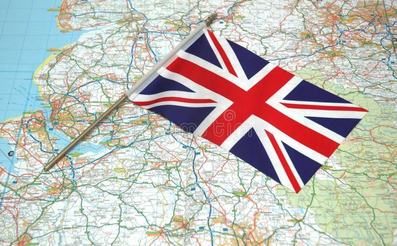 Bandeira de Reino Unido sobre o mapa foto de stock royalty free