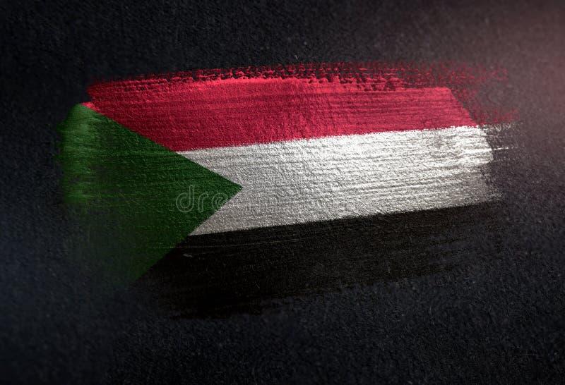 Bandeira de Sudão feita da pintura metálica da escova na parede da obscuridade do Grunge fotografia de stock