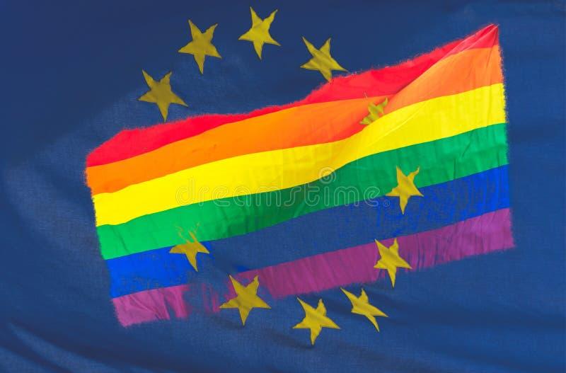 A bandeira do arco-íris de LGBT misturou-se com a bandeira da União Europeia imagens de stock