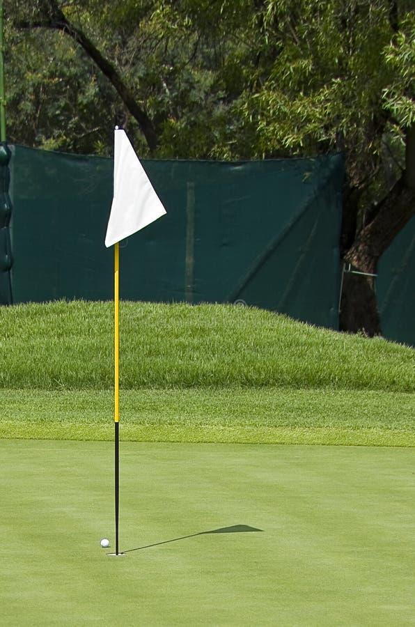 Bandeira do campo de golfe - marcador do furo - Pin foto de stock
