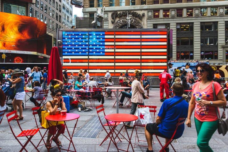 Bandeira do diodo emissor de luz do americano do Times Square em New York City, EUA imagens de stock
