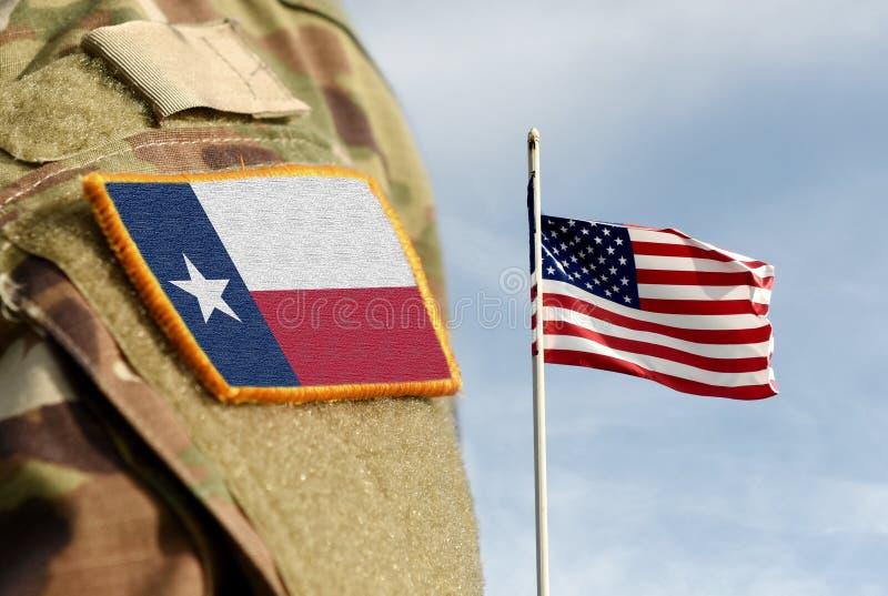 Bandeira do Estado do Texas sobre uniforme militar Estados Unidos EUA Colagem fotos de stock