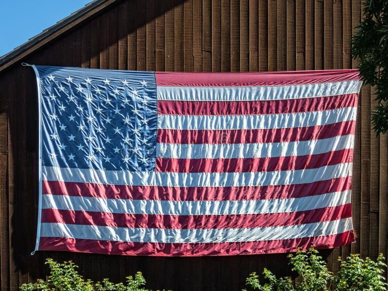 Bandeira do Estados Unidos no celeiro foto de stock