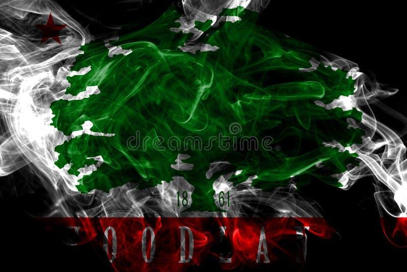 Bandeira do fumo da cidade da floresta, estado de Calif?rnia, Estados Unidos da Am?rica fotografia de stock