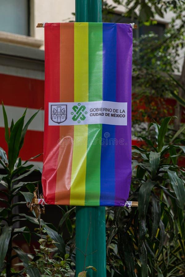 Bandeira do Orgulho LGBTQ na Cidade do México, México foto de stock royalty free