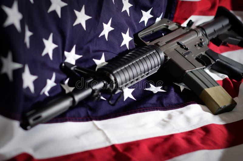 Bandeira dos EUA com rifle imagem de stock royalty free