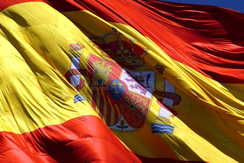 Download Bandeira espanhola foto de stock. Imagem de céu, fundir - 112818