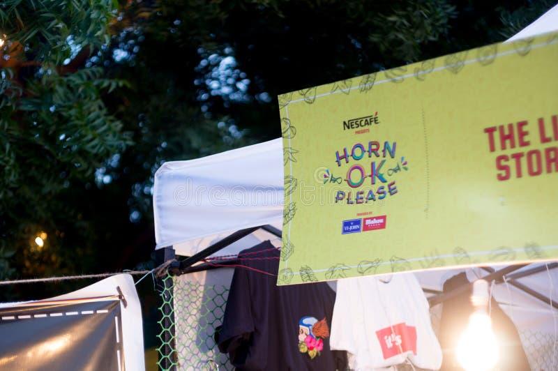 Bandeira na entrada do festival Deli do caminhão do alimento da aprovação do chifre fotos de stock